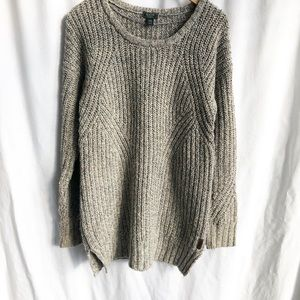 Roots Canada tan knit sweater